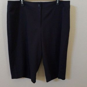 Lane Bryant black short pant capri size 18